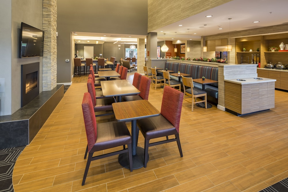 Breakfast Area, TownePlace Suites by Marriott Phoenix Chandler/Fashion Center