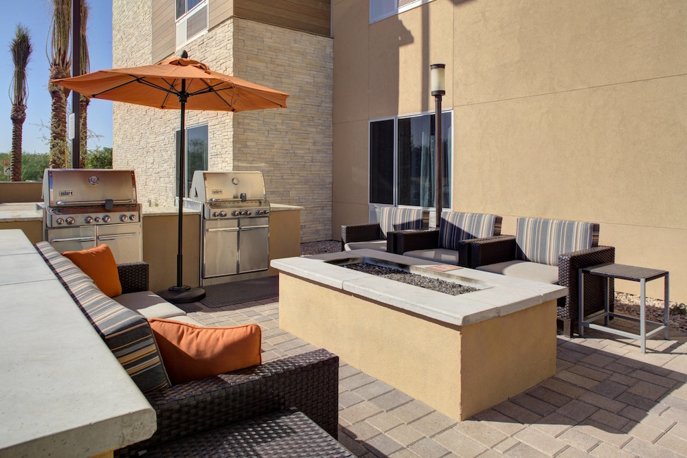 BBQ/Picnic Area, TownePlace Suites by Marriott Phoenix Chandler/Fashion Center