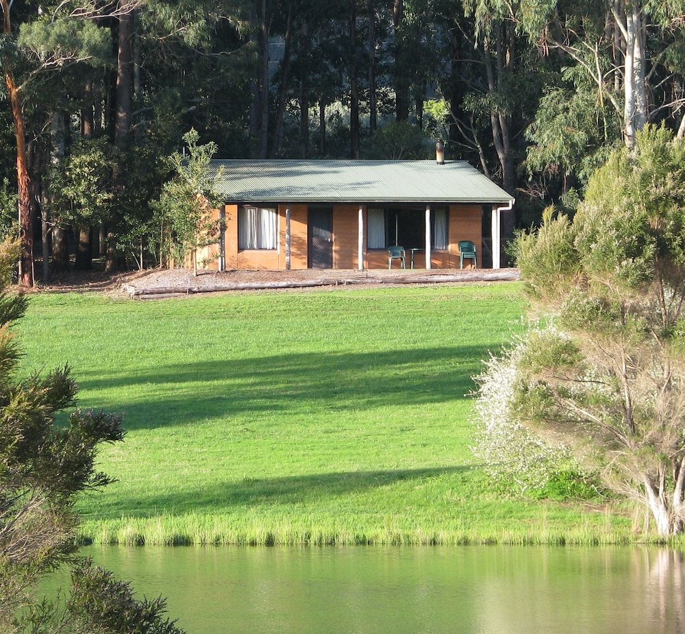 Pemberton Lake View Chalets Deals Reviews 2018 Pemberton Aus  # Un Muble De Tele En Lake