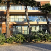 Apart. Luxury T2, Inserted in Salgados Resort With 7 Swimming Pools and Beach 5 m