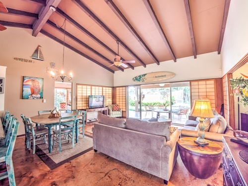 Private Home - Steps Away From Keawakapu Beach!