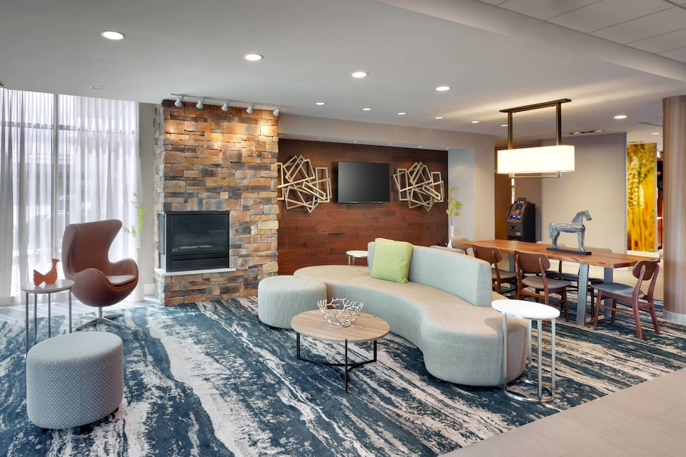 Featured Image, Fairfield Inn & Suites by Marriott Springfield North