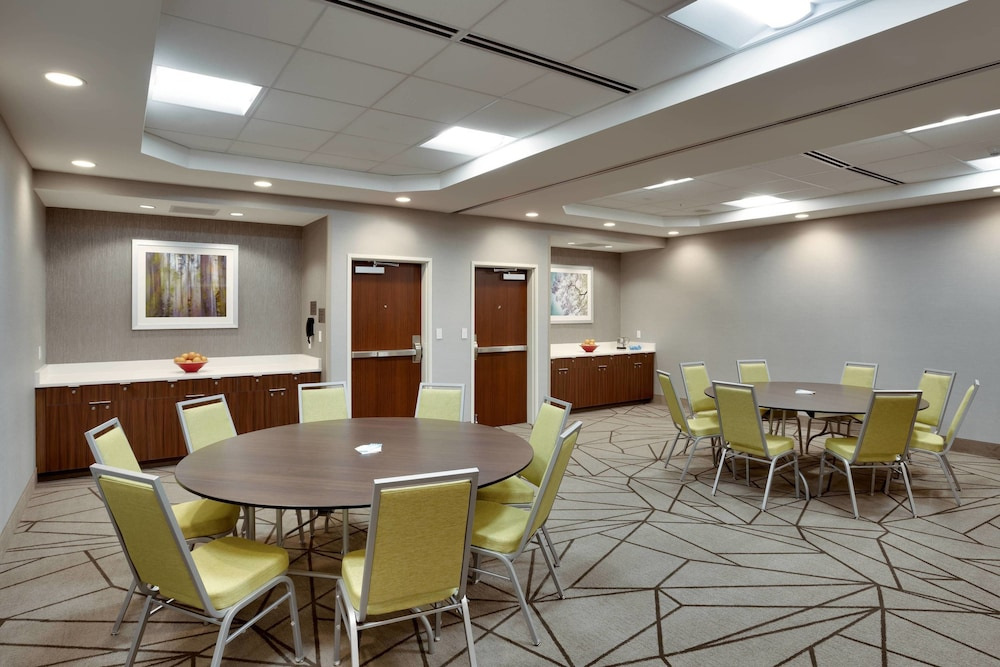 Meeting Facility, Fairfield Inn & Suites by Marriott Springfield North