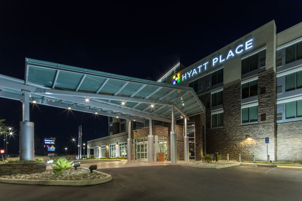 Front of Property - Evening/Night, Hyatt Place Delano