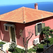 DIO Guesthouses Villa Maleas 2 B/R With Private Garden AND Swimmingpool