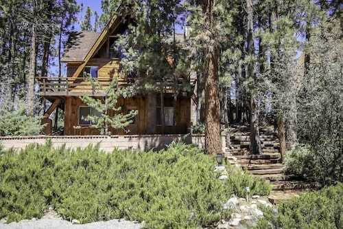 Great Place to stay Absolute Wilki - 3 Br home by RedAwning near Big Bear