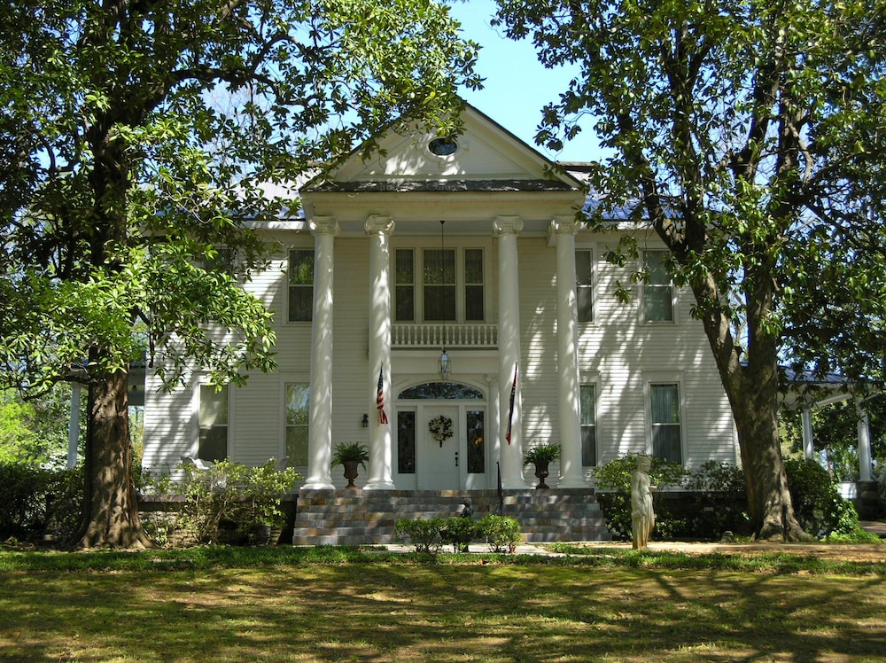 Featured Image, Magnolia Grove Bed And Breakfast