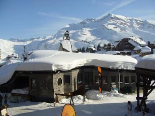 Lovely Studio Apartment , 2 /4 Persons, 25m2 / 268 Sqft , Perfectly Equipped,ski in - ski out