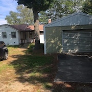 Paradise Michigan 2 Bedroom Bungalow In Town On Whitefish Bay Year Round