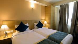 Egyptian cotton sheets, premium bedding, down duvet, Select Comfort beds