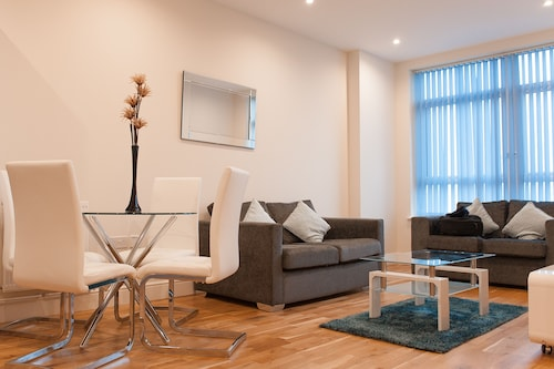 PSF Apartments - Flat 22