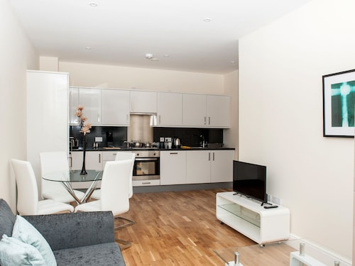 PSF Apartments - Flat 83