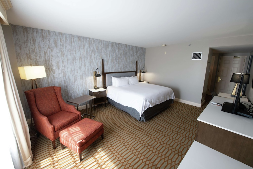 Room, Virginia Crossings Hotel, Tapestry Collection by Hilton