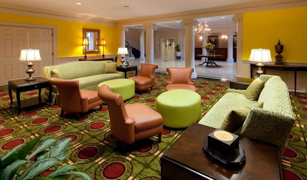 Lobby, Virginia Crossings Hotel, Tapestry Collection by Hilton