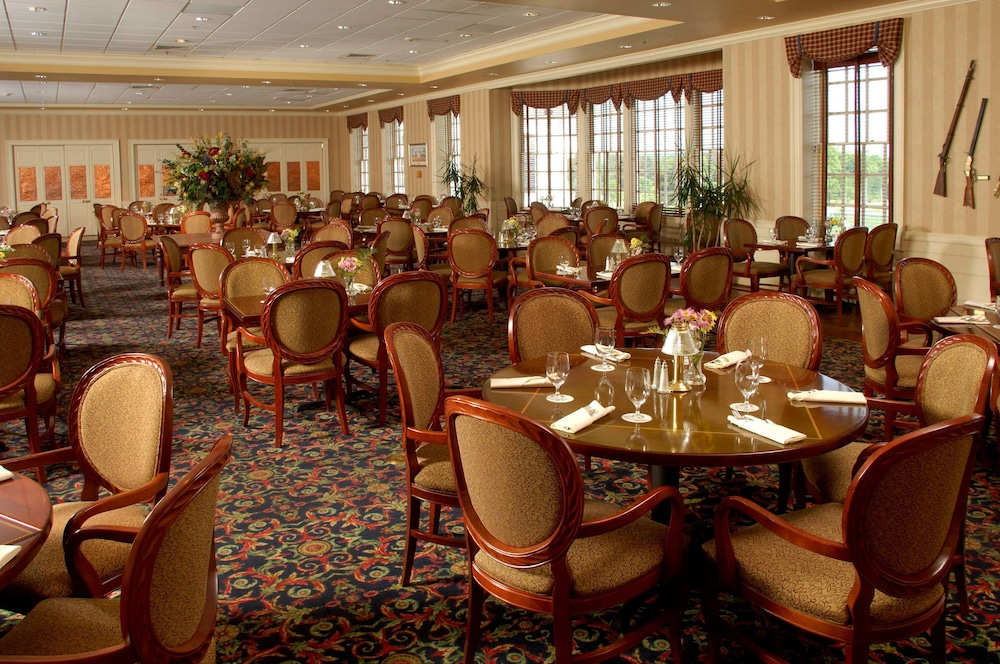 Restaurant, Virginia Crossings Hotel, Tapestry Collection by Hilton