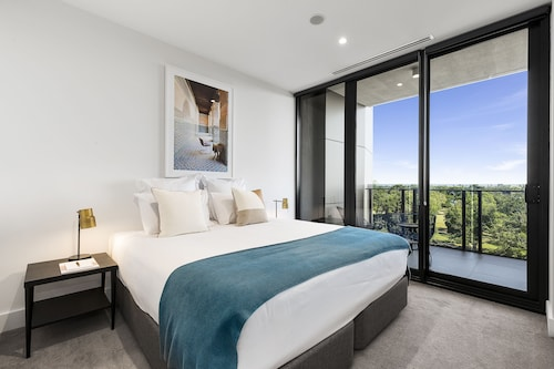 Tyrian Serviced Apartments - Albert Park Lake