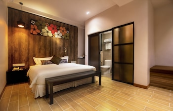 Hotel Twenty 8B