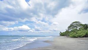 Beach nearby, black sand, beach shuttle, beach towels