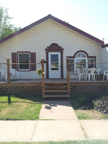 Ious 3 Bedroom Close To Everything