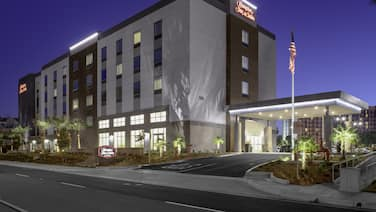 Hampton Inn & Suites by Hilton-Irvine/Orange County Airport