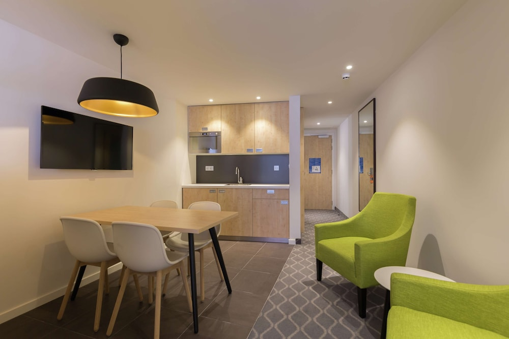 Living Area, Hampton by Hilton Antwerp Central Station
