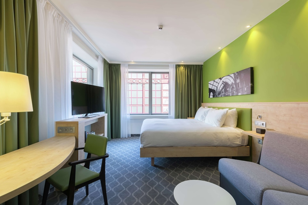Room, Hampton by Hilton Antwerp Central Station