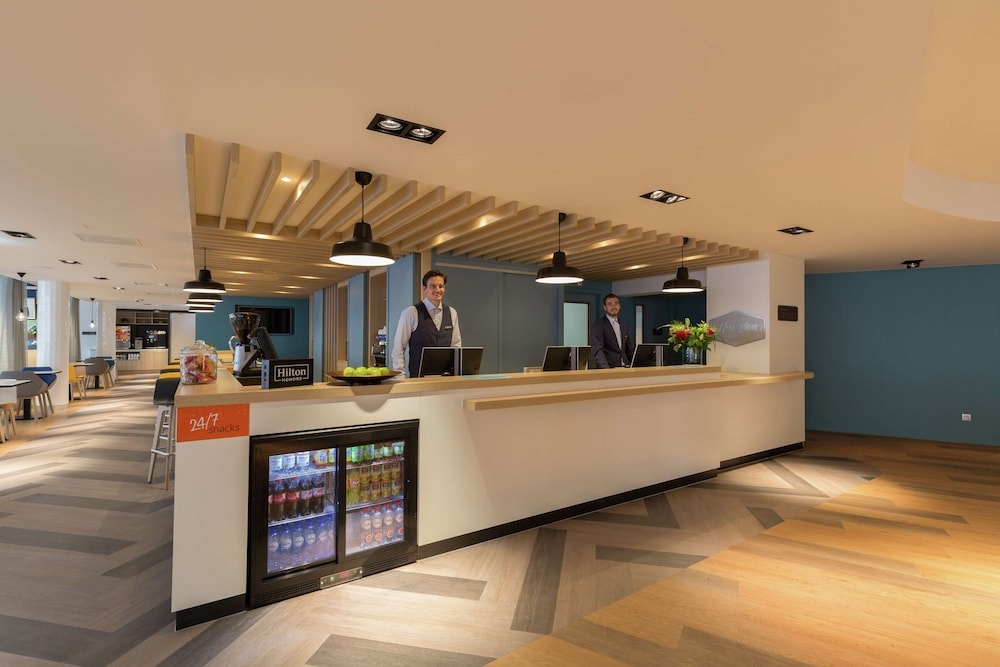 Reception, Hampton by Hilton Antwerp Central Station