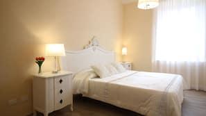 Memory foam beds, desk, free WiFi, linens