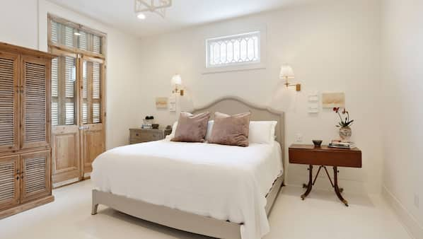 5 bedrooms, iron/ironing board, travel cot, free WiFi