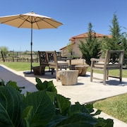 Vineyard Living/ Stunning Views/near to Wineries & Downtown/pizza Oven