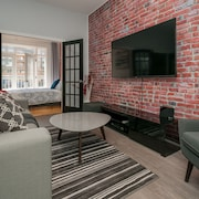 2 Bedroom in the Heart of Quebec City, - Newly Renovated