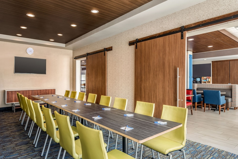 Meeting Facility, Holiday Inn Express & Suites West Des Moines - Jordan Creek, an IHG Hotel