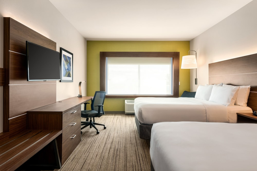 Room, Holiday Inn Express & Suites West Des Moines - Jordan Creek, an IHG Hotel