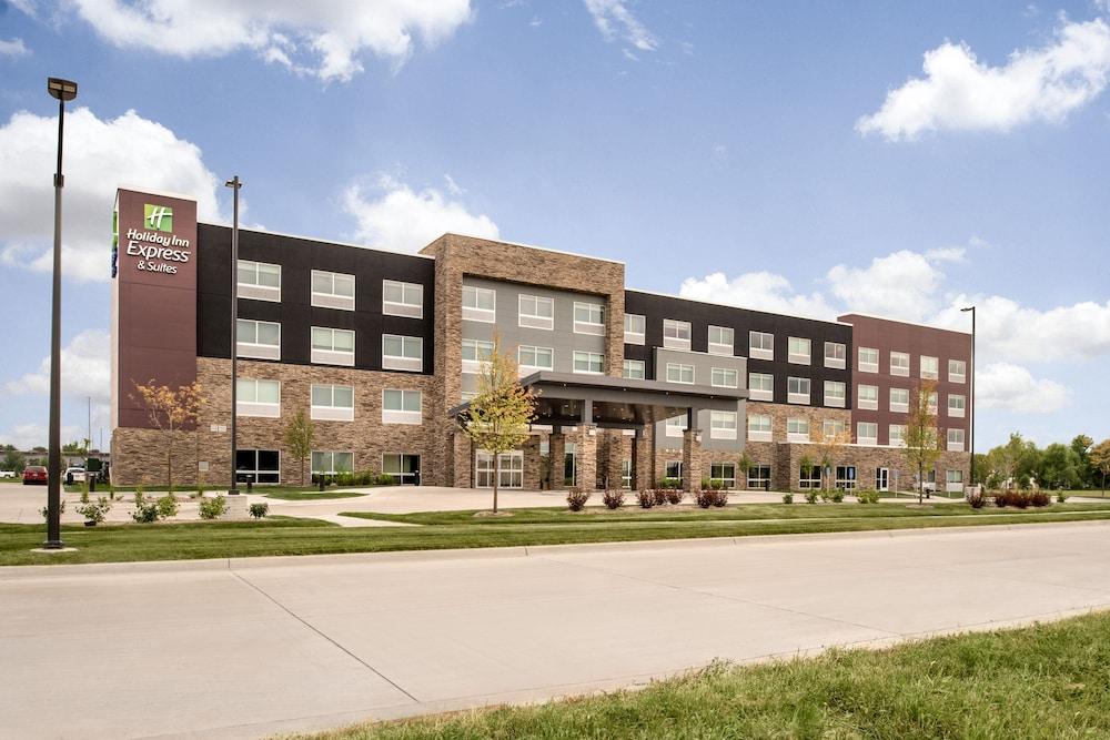 Holiday Inn Express & Suites West Des Moines - Jordan Creek