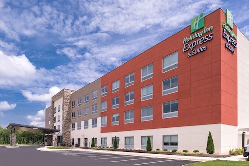 Holiday Inn Express & Suites Farmville