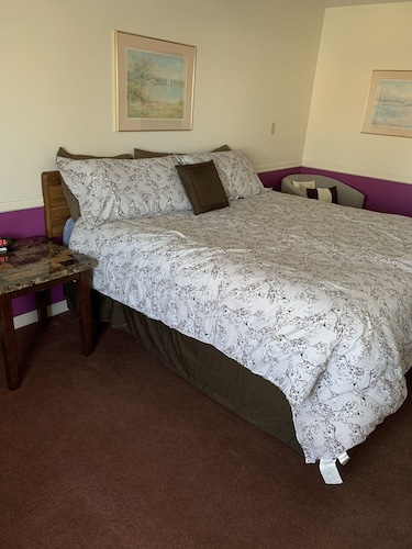 Check Expedia for Availability of Blue Spruce Motel