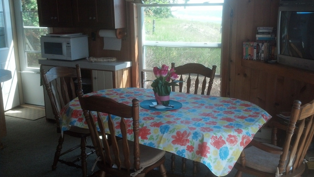 In-Room Dining, Lake Michigan Beachfront! Private Beachfront!