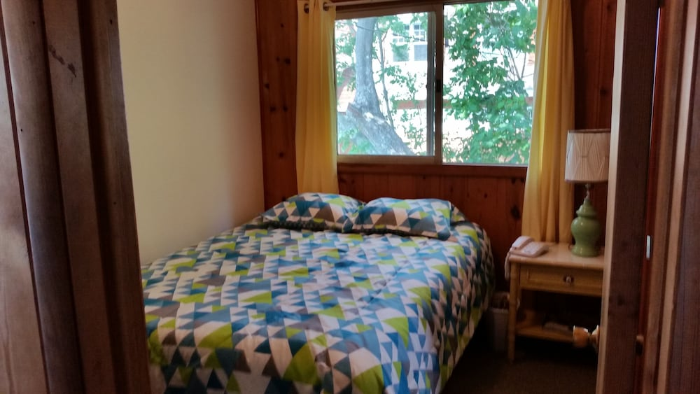 Room, Lake Michigan Beachfront! Private Beachfront!