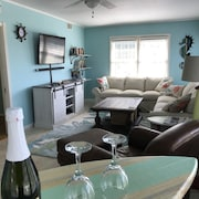 Lovely 3 Bedroom 2 Bathroom Beach Cottage-two Blocks From Beach/boardwalk