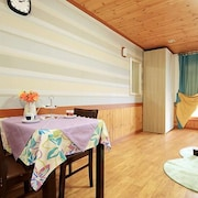 Gangneung Lakeview Pension