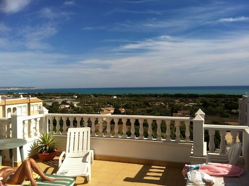 Penthouse Apartment IN LA Marina Village + Large Sunroof, Fabulous SEA Views