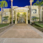 8,500 SQ FT Mansion More Than A Place To Stay! Sleep 16+ Memories for a Lifetime