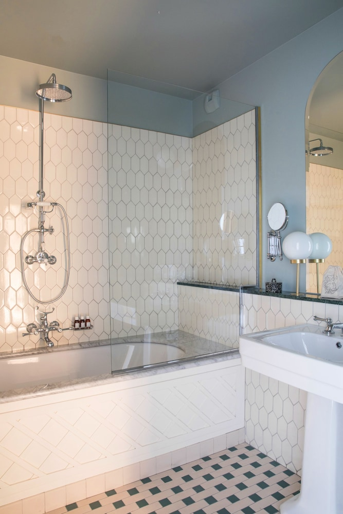 Bathroom, Hôtel Des Grands Boulevards