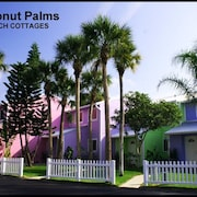 Coconut Palms Townhome - 2 Br townhouse by RedAwning
