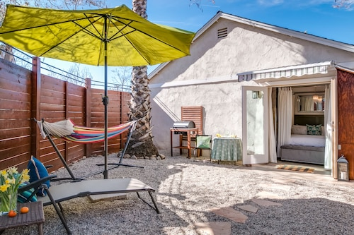 Oak View Studio Near Lake & Ojai - 1 Br apts by RedAwning