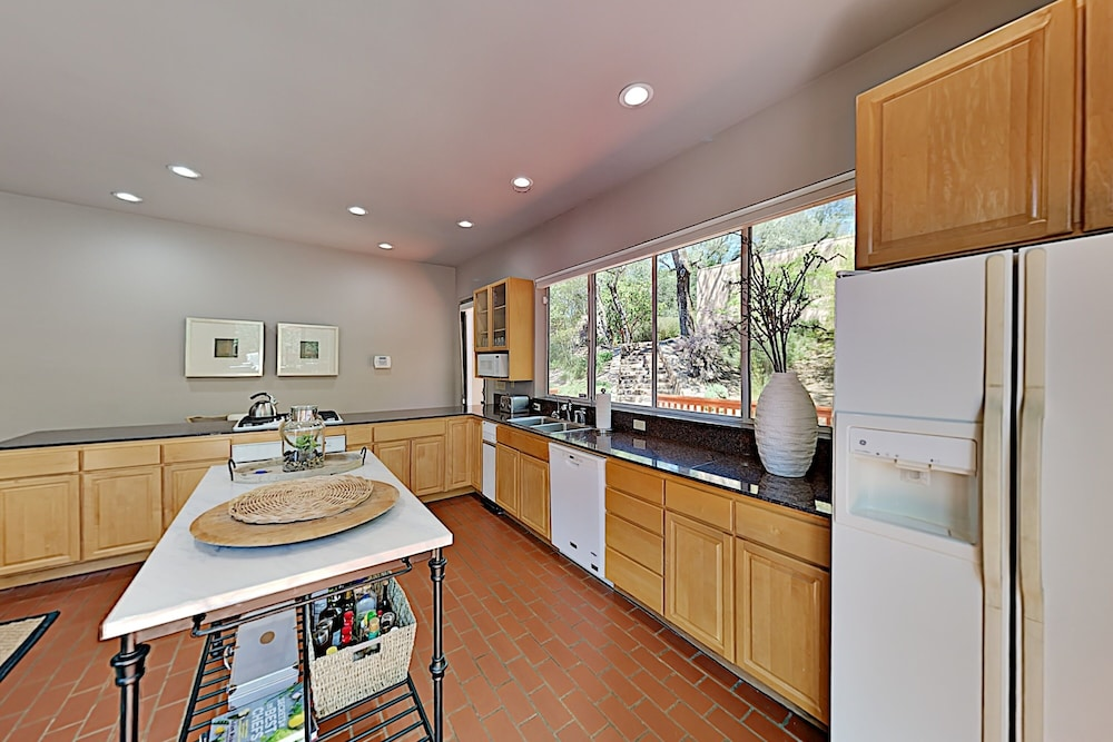 Private Kitchen, 2600 Glen Ellen Home - 3 Br home by RedAwning