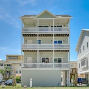 18530 Gulf Blvd House Unit 2 - 3 Br home by RedAwning