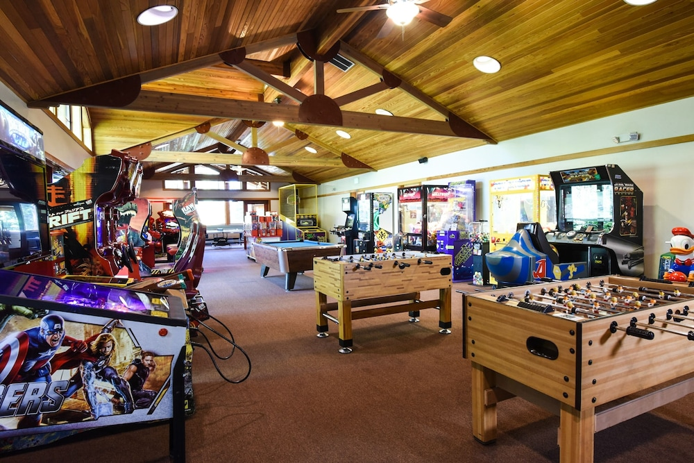 Game Room, Northstar Village 215