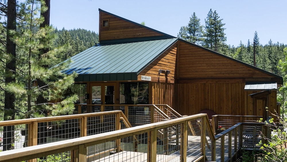 Exterior, Northstar Village 215