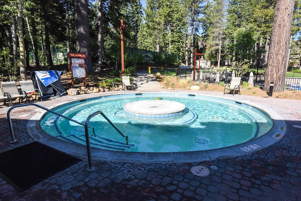 Pool, Northstar Village 215